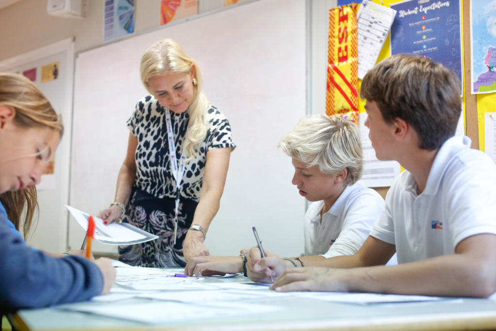 ENGLISH IMMERSION CAMPS
